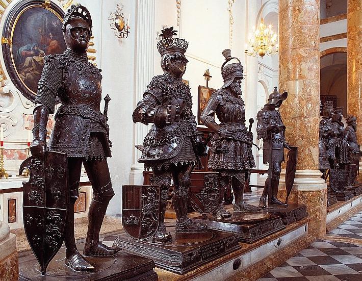 chiesa di corte-cenotafio-innsbruck-europa-impero-cavalieri-tradizione