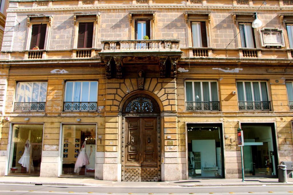 Il palazzo dove abitò Julius Evola a Roma, in corso vittorio Emanuele n. 197