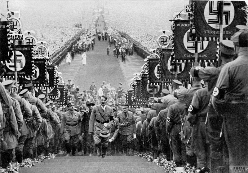 hitler nazionalsocialismo