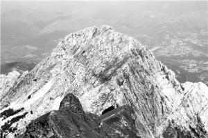 Alpi dall'alto evola volo