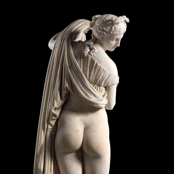 statua-greca-nudo-femmiile-donna